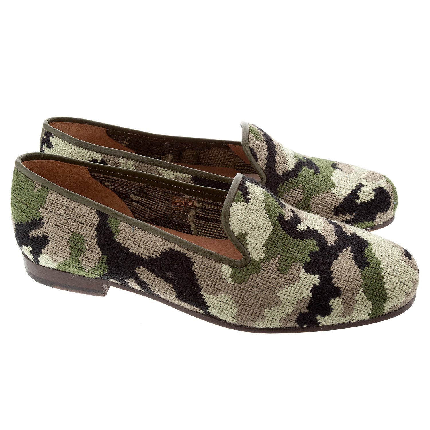 stubbs-wooton-wolf-badger-camo-camouflage-shoes-slippers