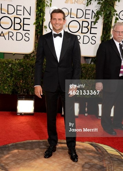 Golden-Globes_2014_Bradley-Cooper_Style_Fashion