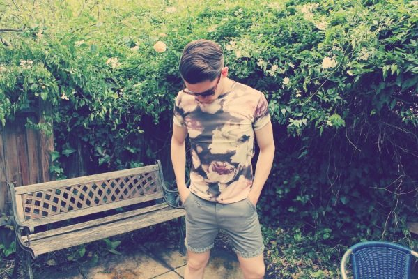 Bohoo.com menswear festival fashion giveaway grey chino shorts with leopard print turn ups