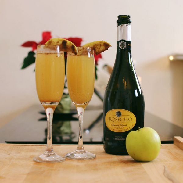 Spiced Apple Mimosa | Christmas Cocktail