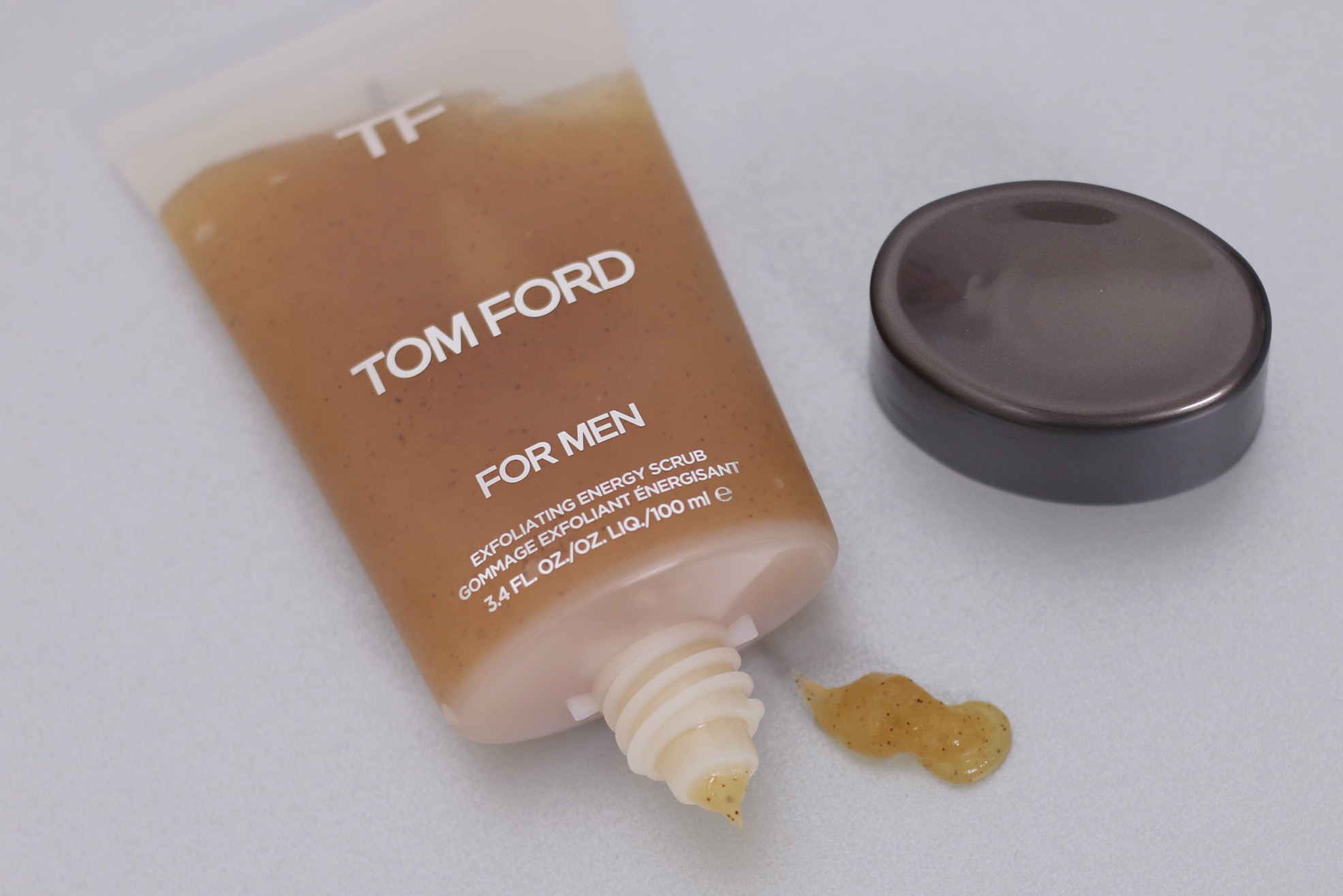 tom-ford-for-men-grooming-exfoliator-review-man-for-himself