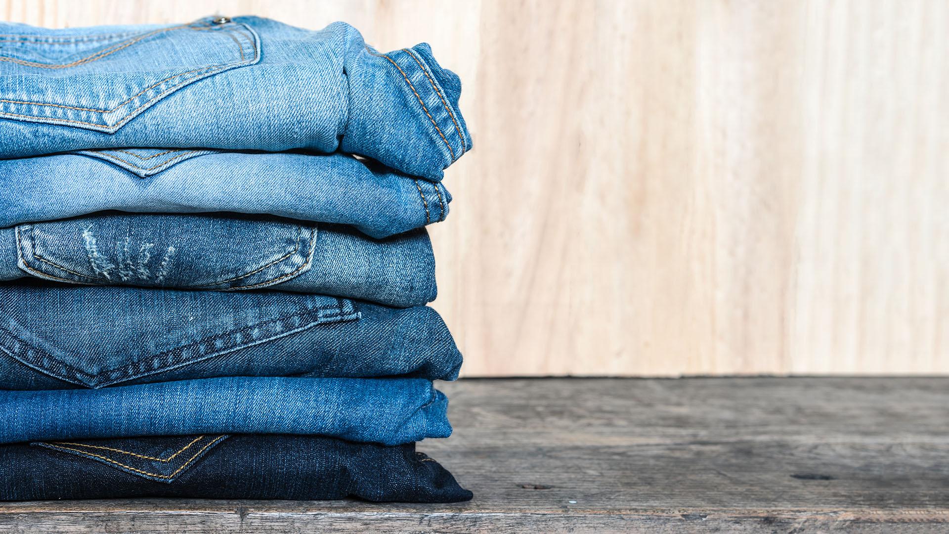 Men S Light Blue Jeans Shop The Trend Man For Himself