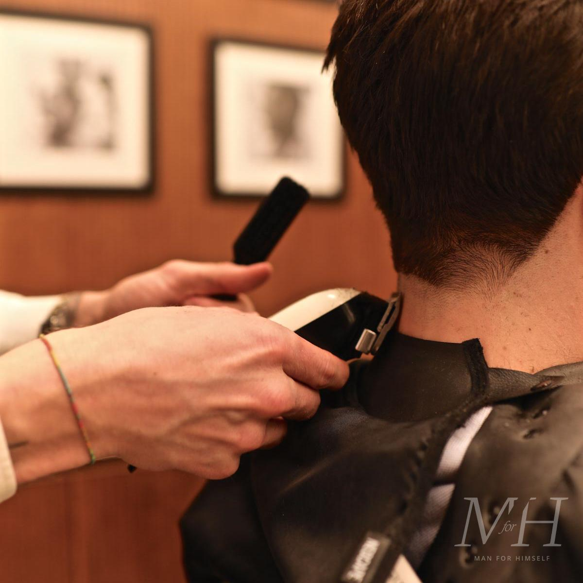 acqua-di-parma-uk-barbershop-man-for-himself-attractive