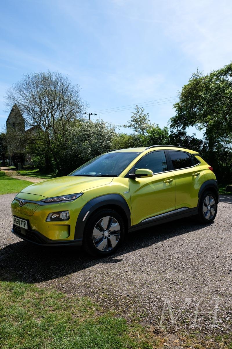kona-electric-hyundai-car-man-for-himself