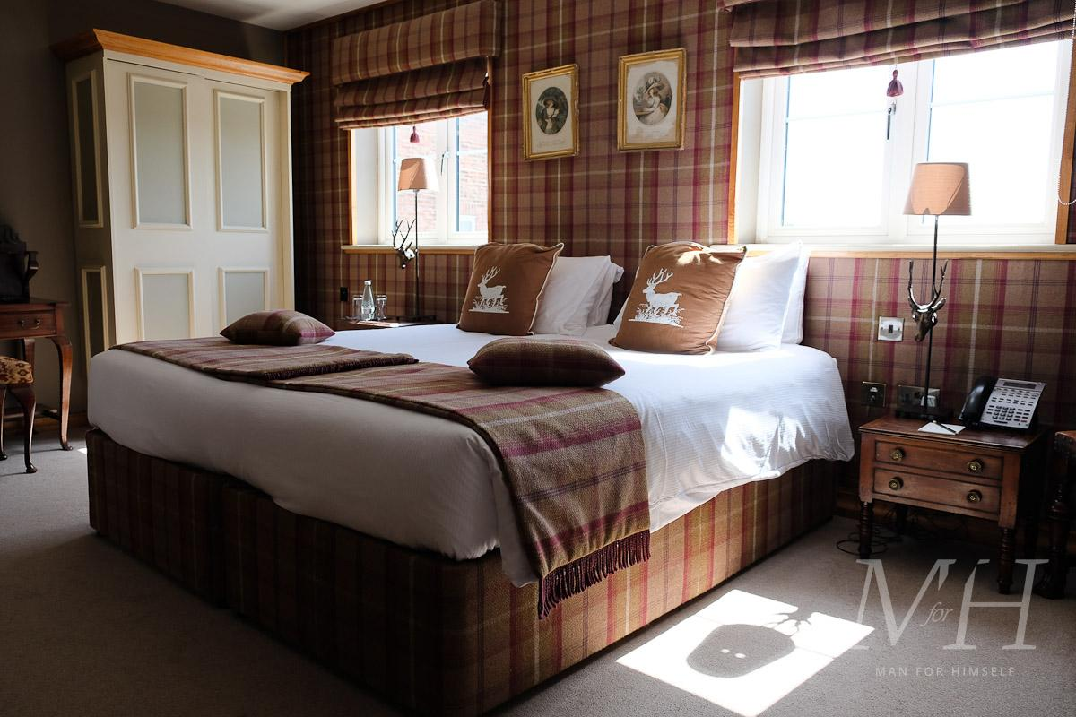 ye-olde-bell-rooms-lodge-review-man-for-himself-3