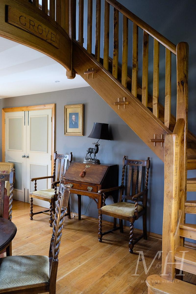 ye-olde-bell-rooms-lodge-review-man-for-himself