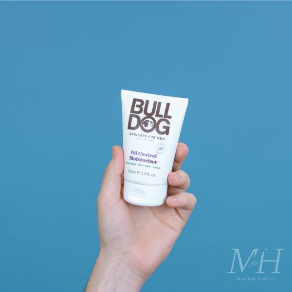 bulldog-oil-control-moisturiser-man-for-himself