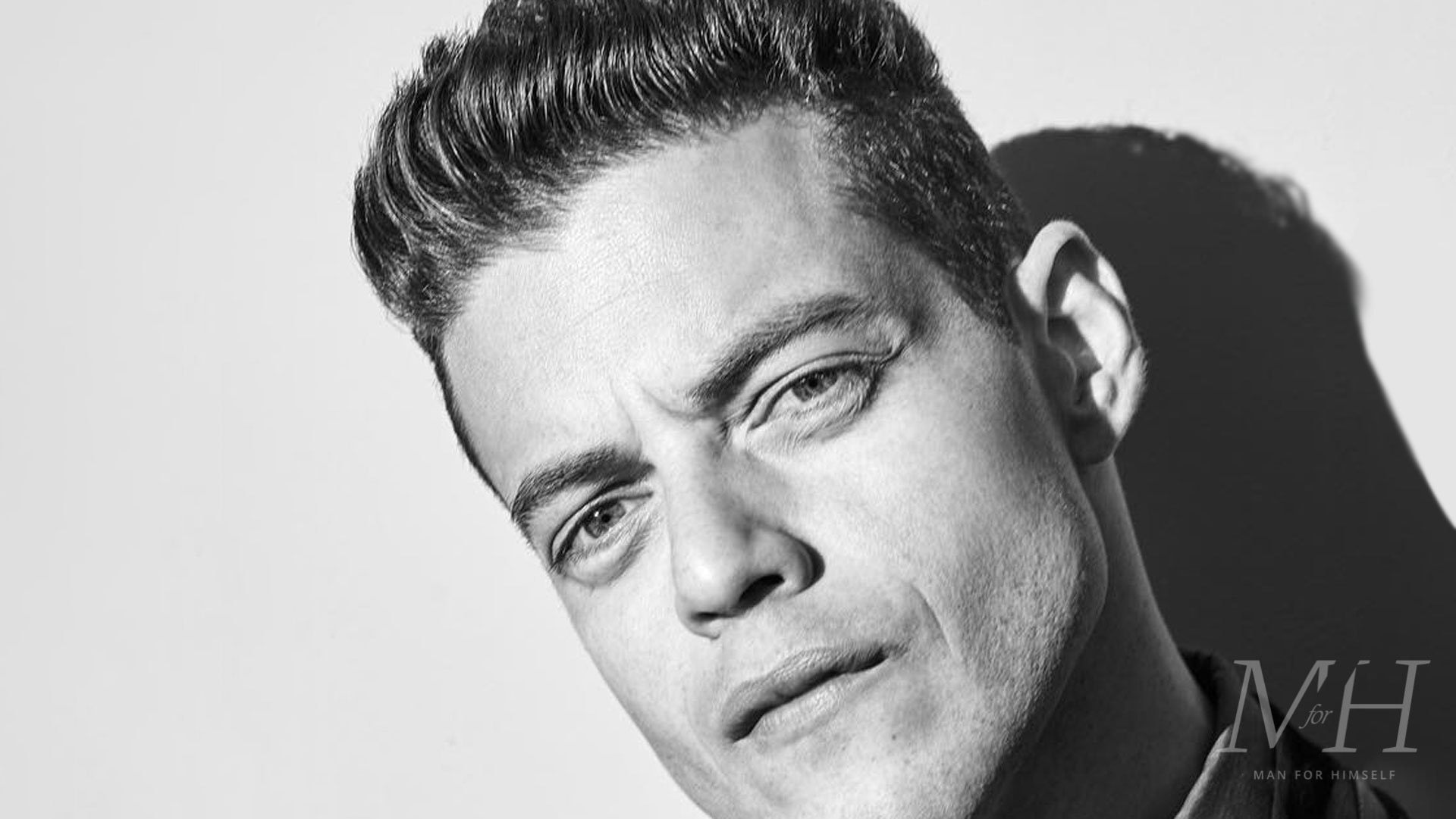 Rami Malek Short Textured Fringe Hairstyle Man For Himself