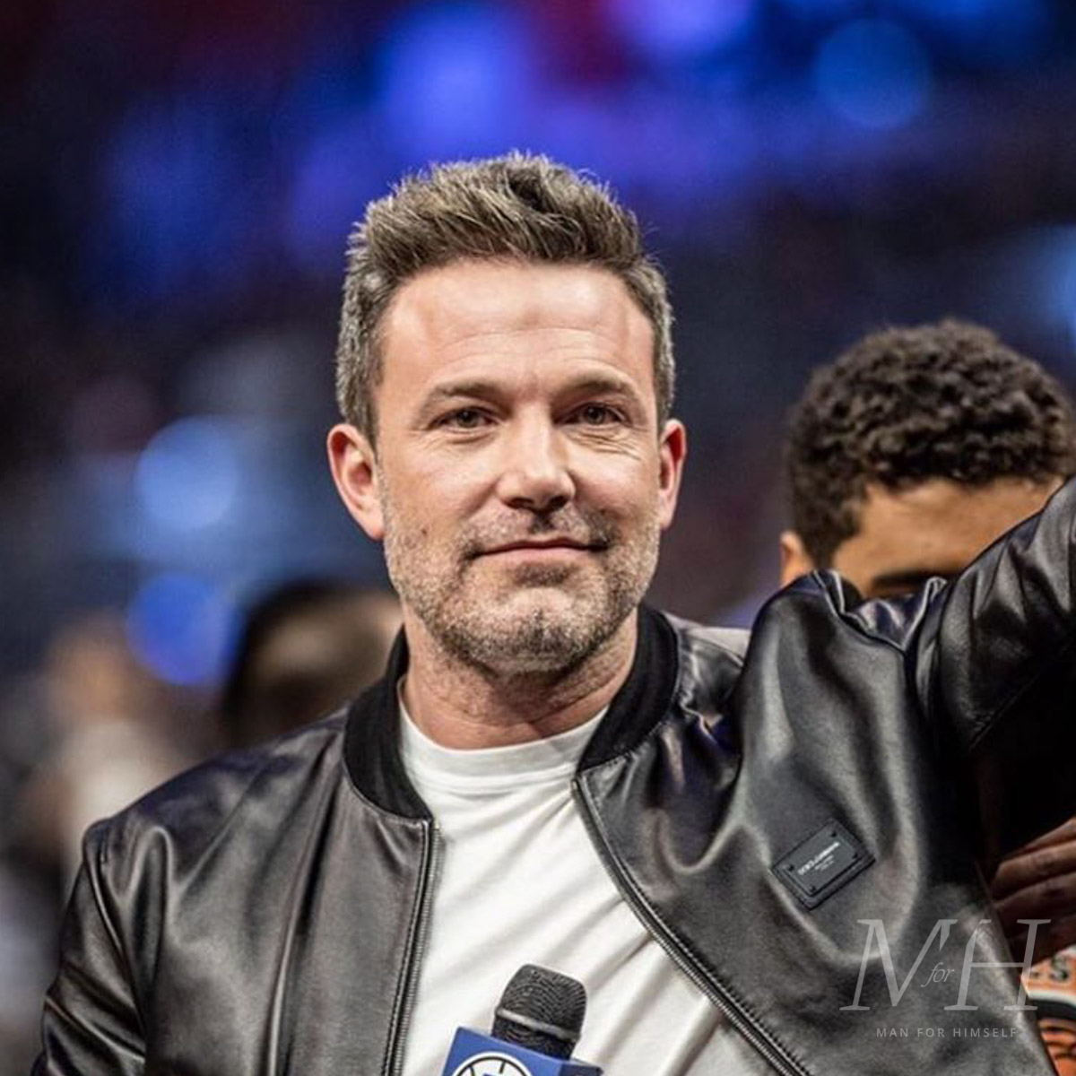 ben-affleck-hairstyle-greying-hair-grooming-MFHC43-man-for-himself