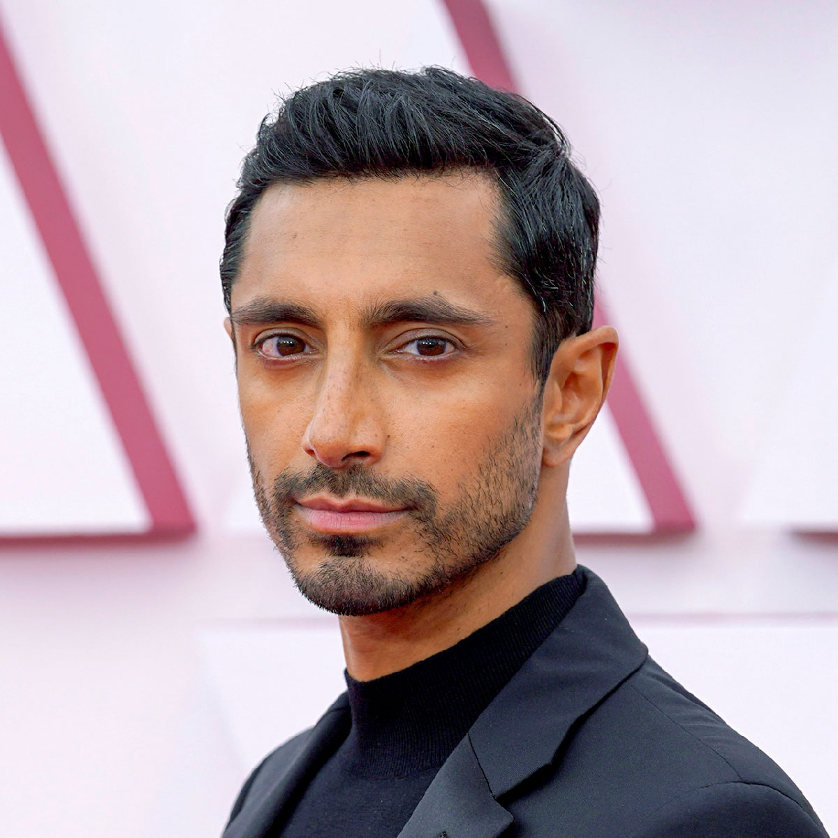 riz ahmed short back sides hairstyle