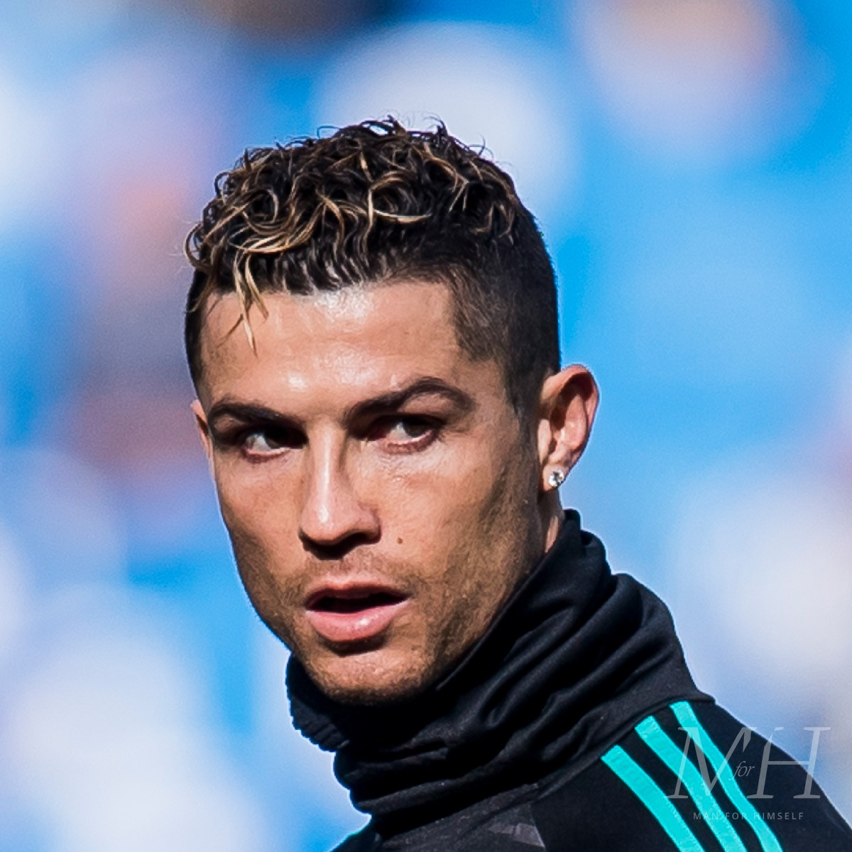 cristiano-ronaldo-curly-dyed-ends-hairstyle