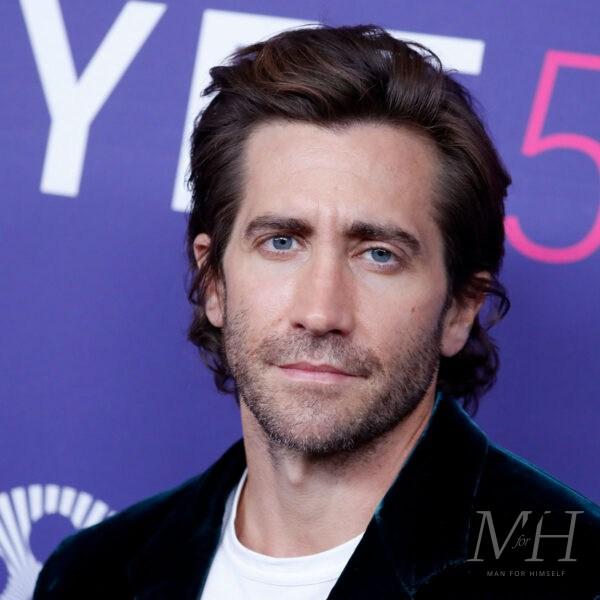 Jake Gyllenhaal: Mid-Length Swept Back Hairstyle